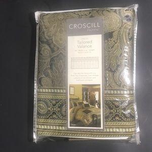 Croscill onyx valance